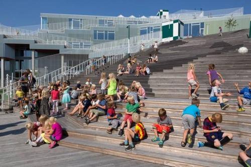【画像】コペンハーゲンの小学校が子供の秘密基地のよう!!の画像(2枚目)