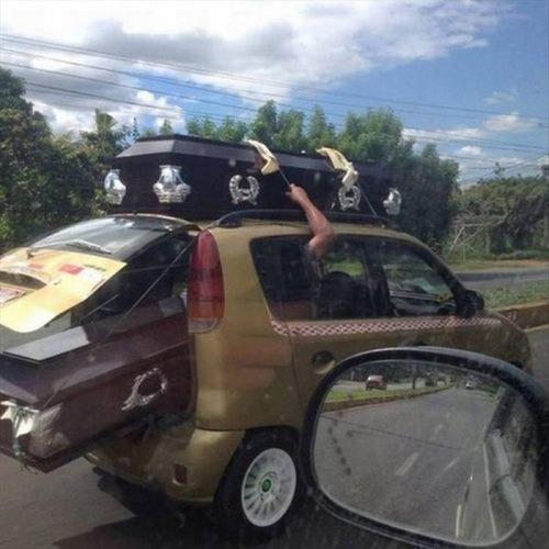 運搬している自動車の画像(19枚目)