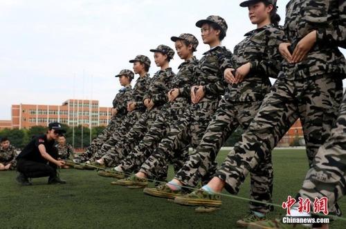 中国の兵士の訓練の内容がかなり無意味に思える・・・の画像(6枚目)