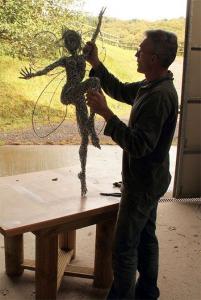 【画像】生きてるみたい!針金で再現された妖精が凄い!!の画像(14枚目)