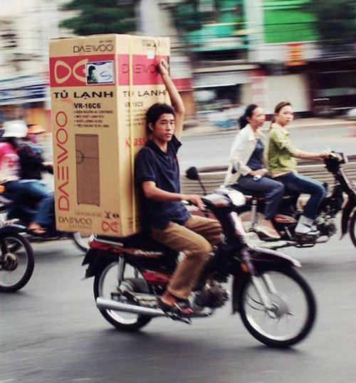 もはや職人技!?自動車やバイクで凄いものを運んでる画像の数々!!の画像(32枚目)