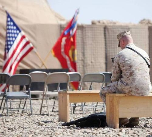 戦地での軍用犬の日常がわかるちょっと癒される画像の数々!!の画像(24枚目)