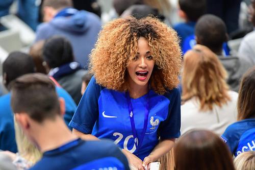 綺麗なサッカーのサポーターのお姉さんの画像の数々!!の画像(37枚目)