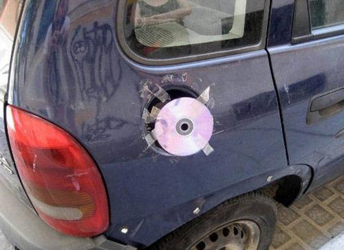 【画像】修理方法が驚異的に雑すぎて、凄いことになってる自動車の数々!!の画像(21枚目)