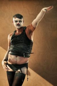 なんの癒しにもならない!超怖いピエロのコスプレ画像の数々の画像(15枚目)