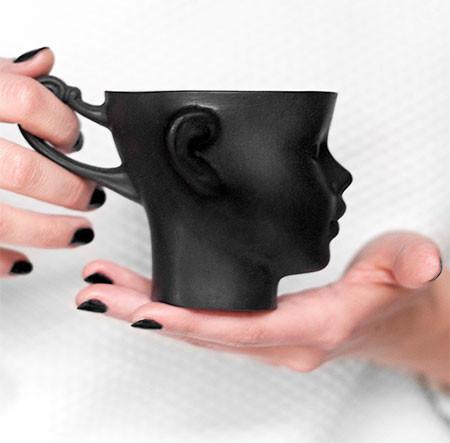 【画像】ちょっとカオスな人の頭のコーヒーカップ…の画像(7枚目)