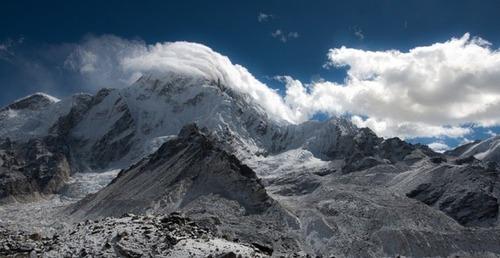 【画像】標高8850m!エベレストの幻想的な風景!!の画像(2枚目)