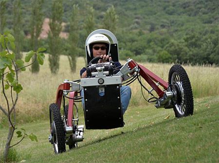 走破性抜群!完全に四輪が独立したカートのような四輪車が凄い!!の画像(6枚目)