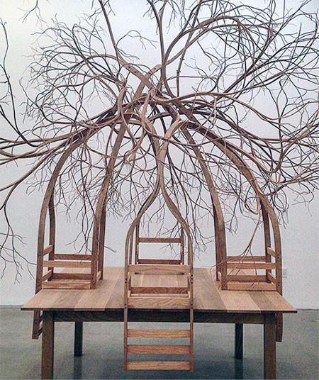 木の枝や根っこのような椅子07