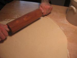 【画像】凄まじいカロリー!ピザだけどピザのような何かの作り方wwの画像(13枚目)