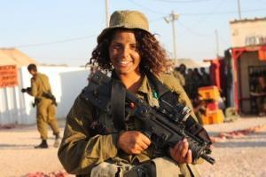 可愛いけどたくましい!イスラエルの女性兵士の画像の数々!!の画像(41枚目)