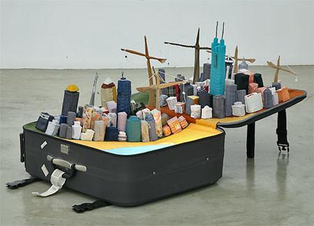 スーツケース内に再現されたジオラマの画像(5枚目)