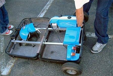 【画像】スーツケースがカートに変身!!折りたたみ式エンジン付きのカートが凄い!!の画像(6枚目)