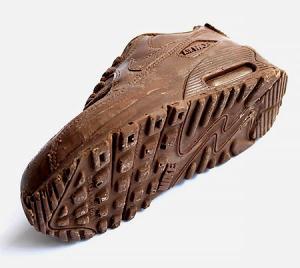 【画像】チョコで作ったナイキのスニーカーが間違って履くレベルwwの画像(4枚目)