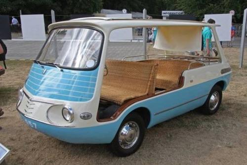 変ったデザインの自動車の画像(20枚目)