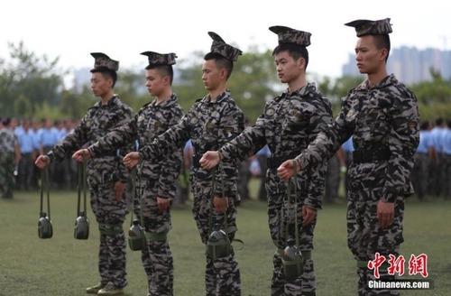 中国の兵士の訓練の内容がかなり無意味に思える・・・の画像(5枚目)