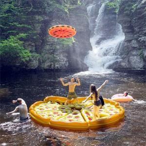 水辺で楽しい!たくさん合体するピザ型のフロートマットが面白い!!の画像(5枚目)
