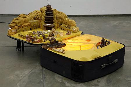 スーツケース内に再現されたジオラマの画像(9枚目)