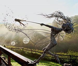 【画像】生きてるみたい!針金で再現された妖精が凄い!!の画像(5枚目)