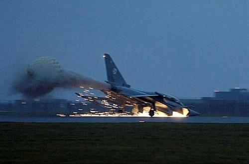 事故=大惨事!笑えるか笑えないか微妙な飛行機事故の画像の数々!!の画像(65枚目)