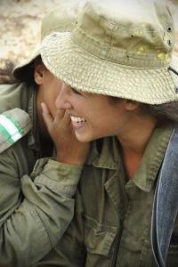 可愛いけどたくましい!イスラエルの女性兵士の画像の数々!!の画像(83枚目)