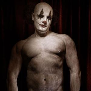 なんの癒しにもならない!超怖いピエロのコスプレ画像の数々の画像(20枚目)