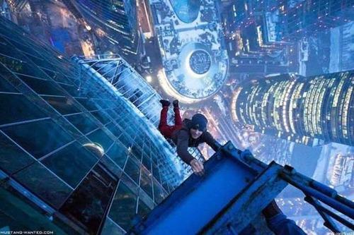 高くて怖い!!高所での怖すぎる記念写真の数々!!の画像(31枚目)