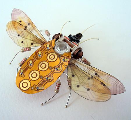 今にも動き出しそう!ちょっとリアルな電子部品でできた昆虫!!の画像(5枚目)