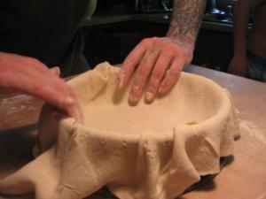【画像】凄まじいカロリー!ピザだけどピザのような何かの作り方wwの画像(14枚目)