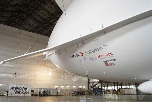 世界最大の飛行船「Airlander10」の画像(20枚目)