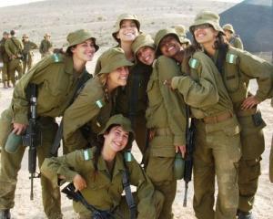 可愛いけどたくましい!イスラエルの女性兵士の画像の数々!!の画像(37枚目)
