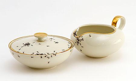 【画像】蟻が這い回っている柄の食器が悪趣味すぎるwwwの画像(13枚目)