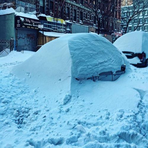 【画像】大雪のニューヨークで日常生活が大変な事になっている様子!の画像(19枚目)
