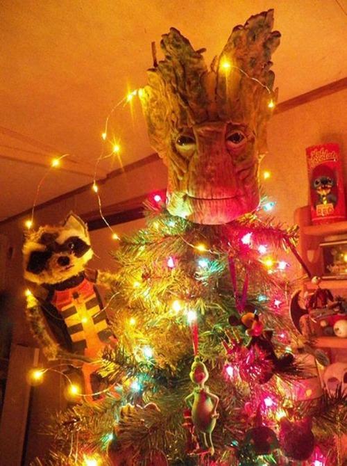 カオスなクリスマスツリーの上の飾りの画像(22枚目)