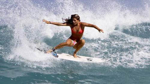 可愛くて魅力的なサーフィンしている女の子の画像の数々!!の画像(23枚目)