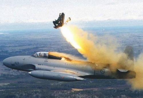 事故=大惨事!笑えるか笑えないか微妙な飛行機事故の画像の数々!!の画像(1枚目)