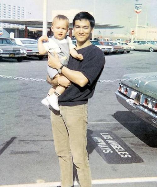 ブルース・リーの幸せそうな私生活の画像の数々!!の画像(14枚目)