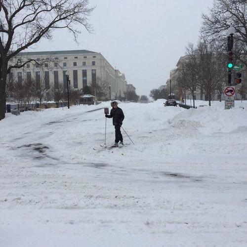 【画像】大雪のニューヨークで日常生活が大変な事になっている様子!の画像(20枚目)