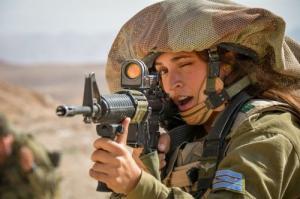 可愛いけどたくましい!イスラエルの女性兵士の画像の数々!!の画像(28枚目)