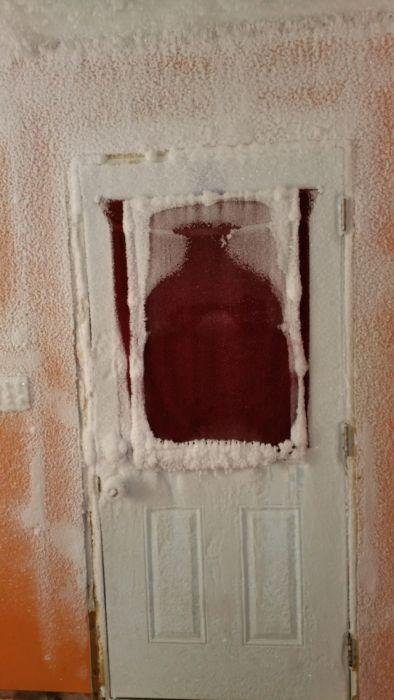 【画像】カナダの冬の室内がちょっとイカレてる・・・の画像(7枚目)