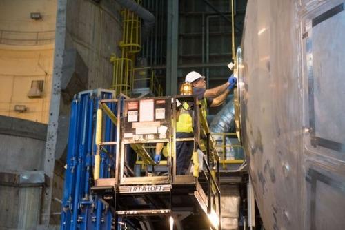 スペースシャトルの燃料タンクの画像(2枚目)