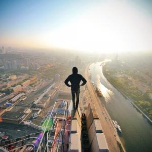 とりあえず高い所に来たので記念撮影をした写真が高すぎて本当に怖いwwの画像(12枚目)