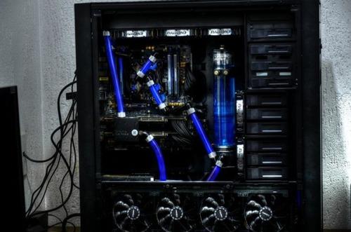 【画像】芸術の域に達している自作パソコンが凄い!!の画像(26枚目)