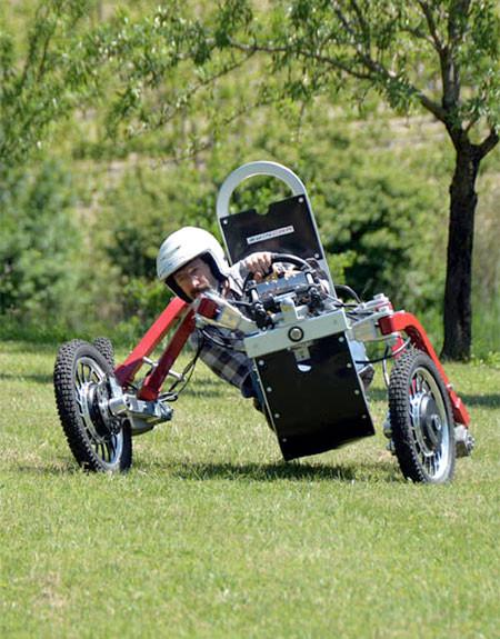 走破性抜群!完全に四輪が独立したカートのような四輪車が凄い!!の画像(4枚目)