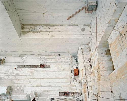 【画像】大理石の採掘場がゲームや物語のダンジョンみたいで凄すぎる!!の画像(4枚目)