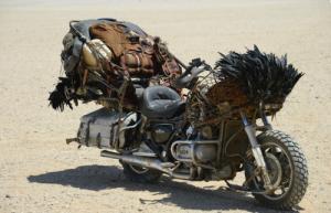 【画像】映画マッドマックスに出ていたバイクが凄い事になっている!の画像(11枚目)