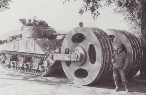 撤去は大変…昔の地雷処理戦車の画像の数々!!の画像(1枚目)