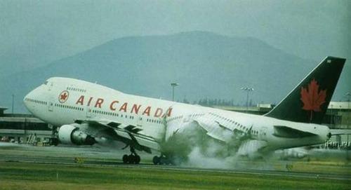 事故=大惨事!笑えるか笑えないか微妙な飛行機事故の画像の数々!!の画像(8枚目)