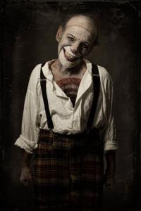 なんの癒しにもならない!超怖いピエロのコスプレ画像の数々の画像(5枚目)