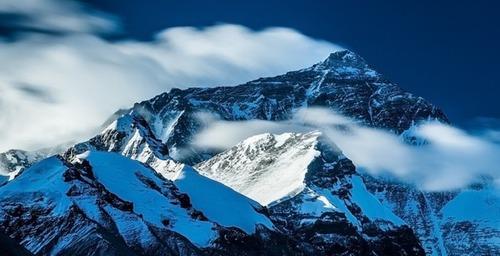 【画像】標高8850m!エベレストの幻想的な風景!!の画像(13枚目)